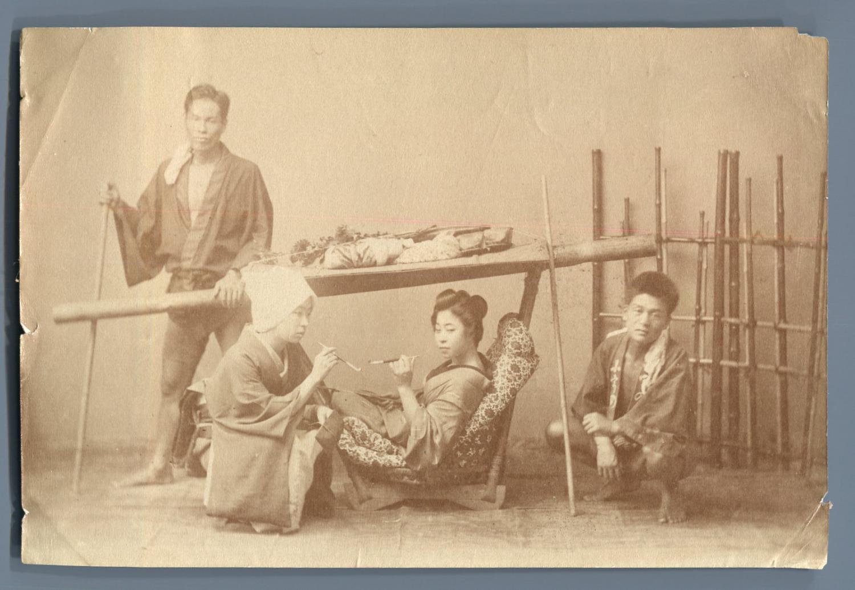 Japon chaise porteurs au japon vintage silver print for Chaise a porteur