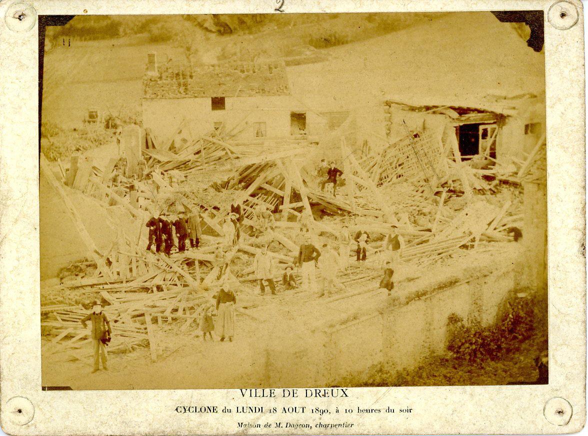 France ville de dreux quartier saint thibaut cyclone 18 for Piscine de dreux