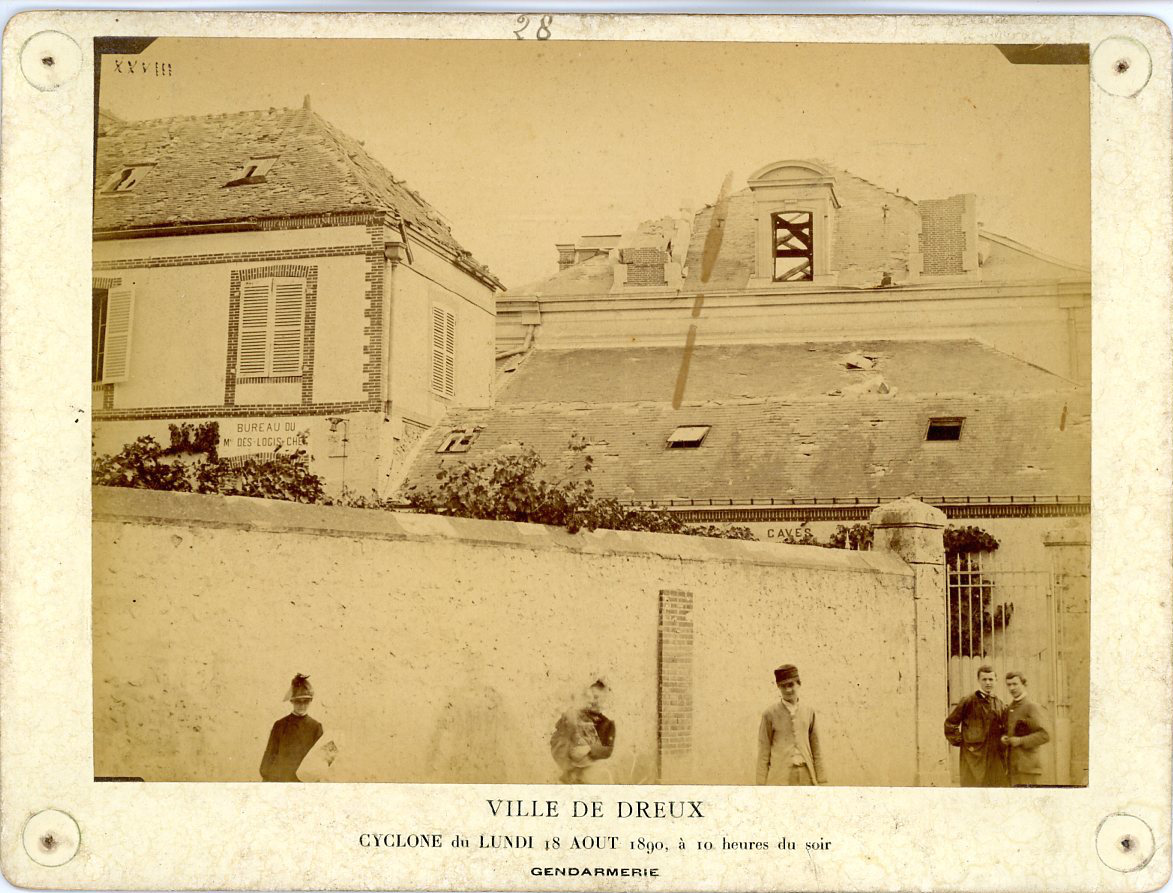 France ville de dreux cyclone 18 ao t 1890 gendarmerie for Piscine de dreux